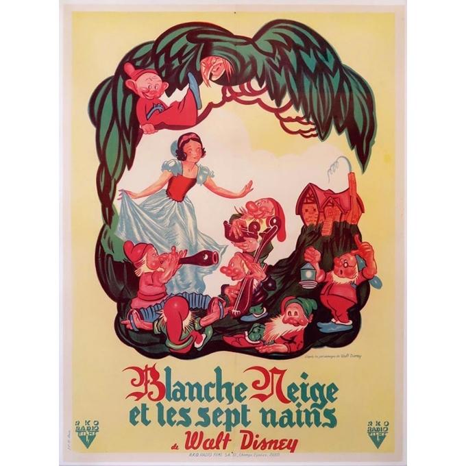 Affiche ancienne originale du film Blanche Neige et les sept nains de Walt Disney qui date de 1945