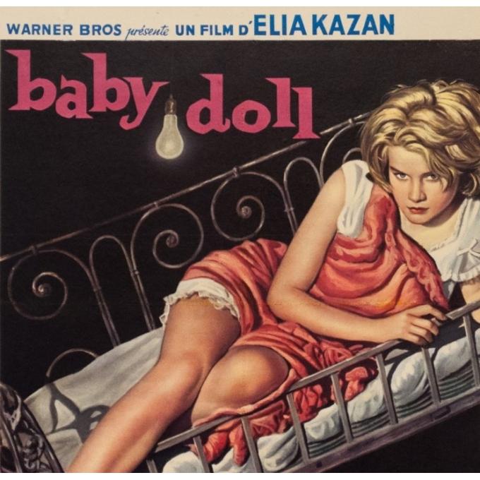 Affiche ancienne de cinéma - 1956 - Baby Doll La Poupee De Chair - 53 par 35.5 cm - 2